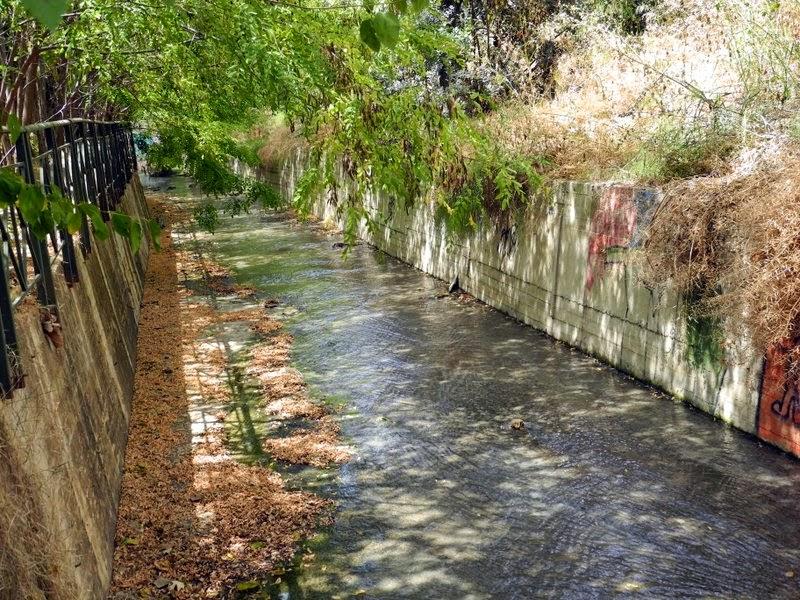 Χαϊδάρι Σήμερα Με γεια το καινούργιο μας ποταμάκι στον Άγιο Ανδρέα. Αλλά... από πού πηγάζει το νερό; 1