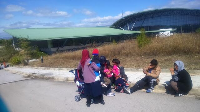 Χαϊδάρι Σήμερα Καταφύγια για τους πρόσφυγες τα Ολυμπιακά Ακίνητα. Ο ρόλος του Γιώργου Τερζάκη 1