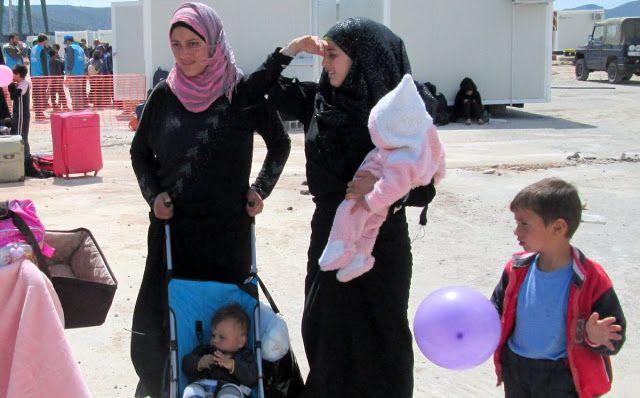 Χαϊδάρι Σήμερα Εγκαταστάθηκαν οι πρώτοι πρόσφυγες στον Σκαραμαγκά. Οικογένειες και πολλά παιδιά 1