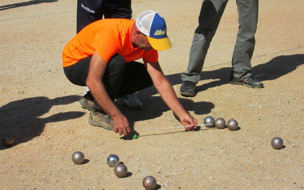 Χαϊδάρι Σήμερα Petanque: Αν το παίξεις... κόλλησες! Ένα γ@μ@το σπορ, όχι μόνο για fit τύπους 11