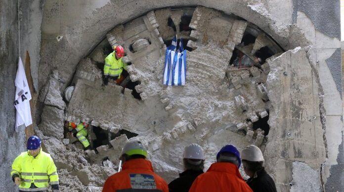 Χαϊδάρι Σήμερα Αγία Μαρίνα - Μανιάτικα. Ο μετροπόντικας φτάνει σήμερα στα όρια του Πειραιά