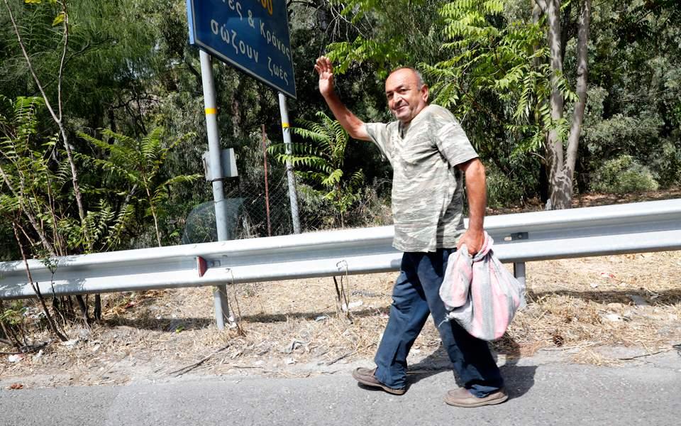 Χαϊδάρι Σήμερα Κυνηγός χαρτονομισμάτων σε Εθνική Οδό - Λ. Σχιστού!