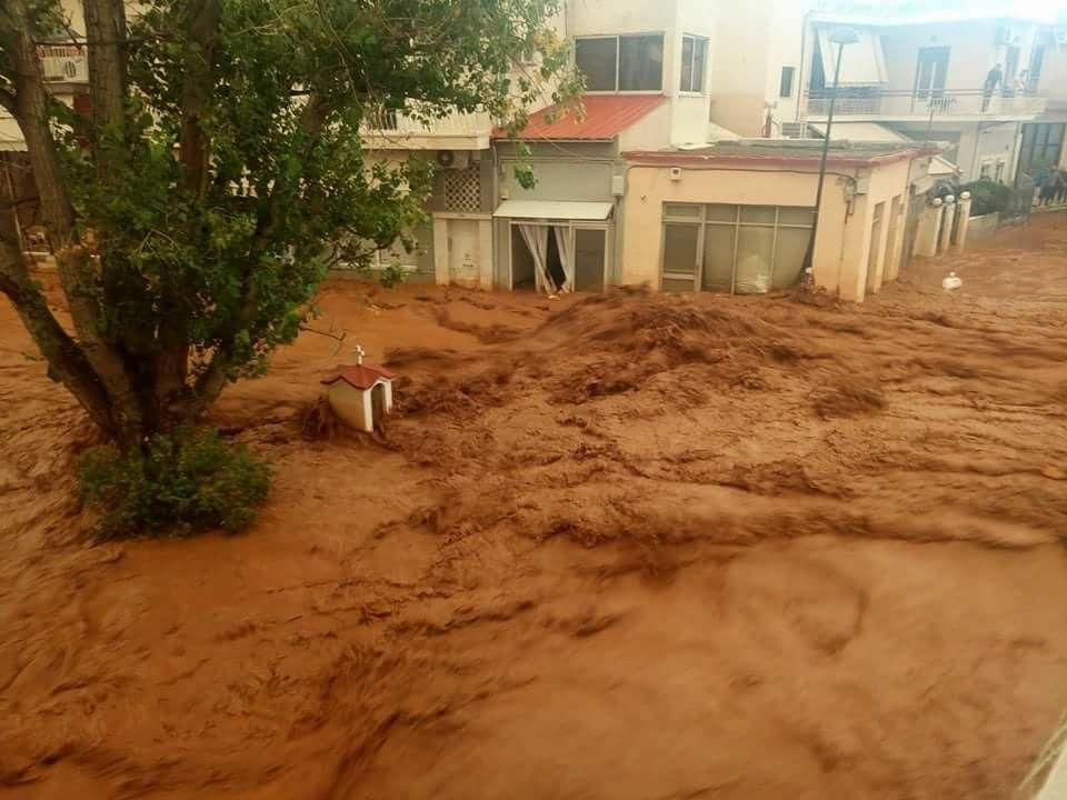Χαϊδάρι Σήμερα Βιβλική καταστροφή σε Μάνδρα και Μεγάλο Πεύκο - Νεκρή γυναίκα 3