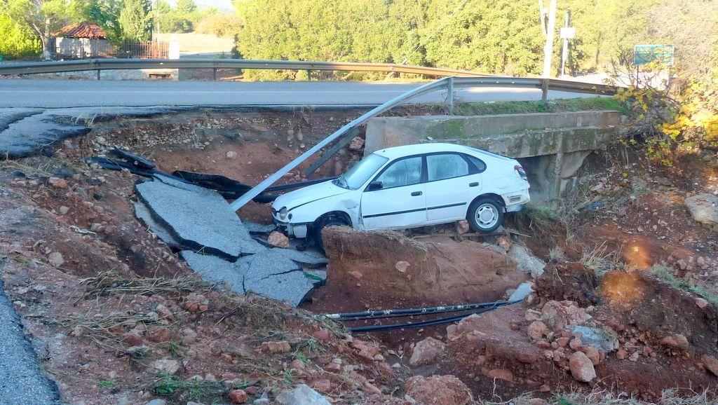 Χαϊδάρι Σήμερα Καταστροφή στην Παλαιά Εθνική Οδό Αθήνας – Θήβας από την φονική πλημμύρα 1