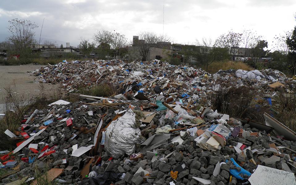 Χαϊδάρι Σήμερα Ξεχασμένοι στον Ασπρόπυργο 6.000 τόνοι επικίνδυνων αποβλήτων