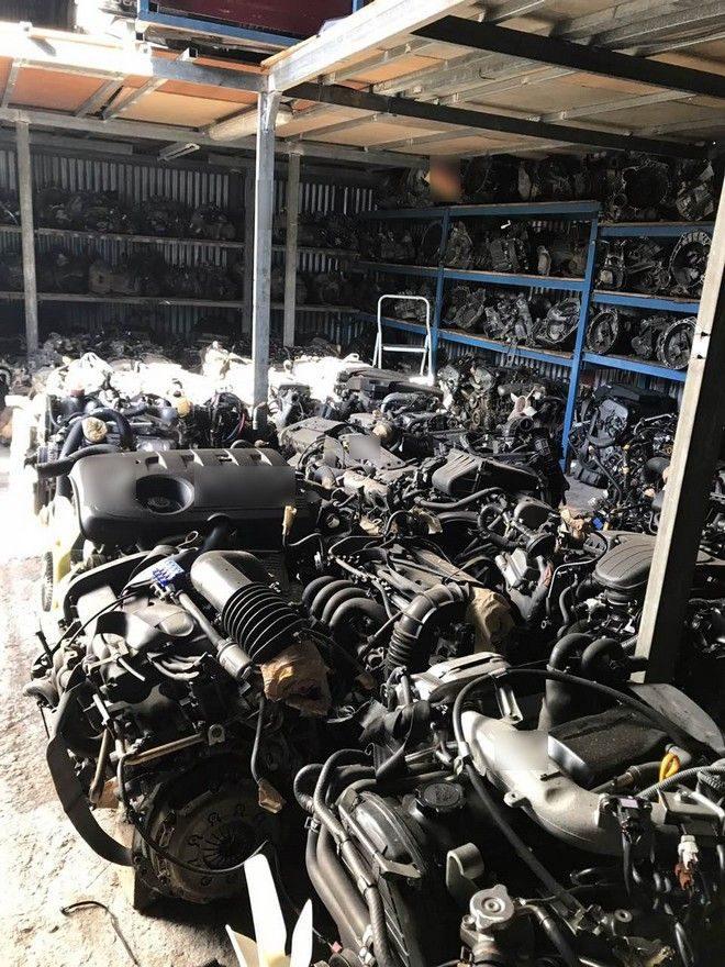 Χαϊδάρι Σήμερα Έκλεψαν 500+ αυτοκίνητα - super bazaar κλεμμένων ανταλλακτικών! 3