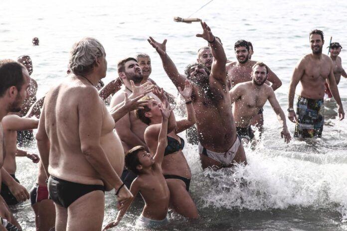 Χαϊδάρι Σήμερα Top 10 Θεοφάνεια στην Ελλάδα - video
