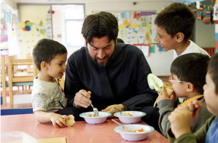 Χαϊδάρι Σήμερα Η «Κιβωτός του Κόσμου» αναζητά οικογένειες που επιθυμούν να αναλάβουν την ανατροφή ενός παιδιού